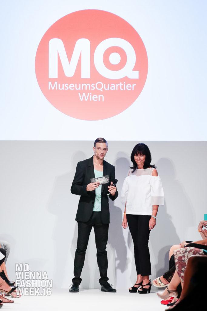 Opening Show, diverse österreichische Designer, unknown model